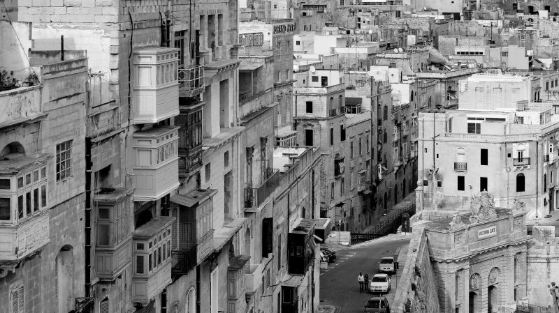 valletta, houses above victoria gate