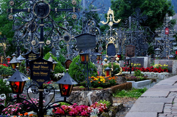 wrought iron grave markers, fiss cemetery