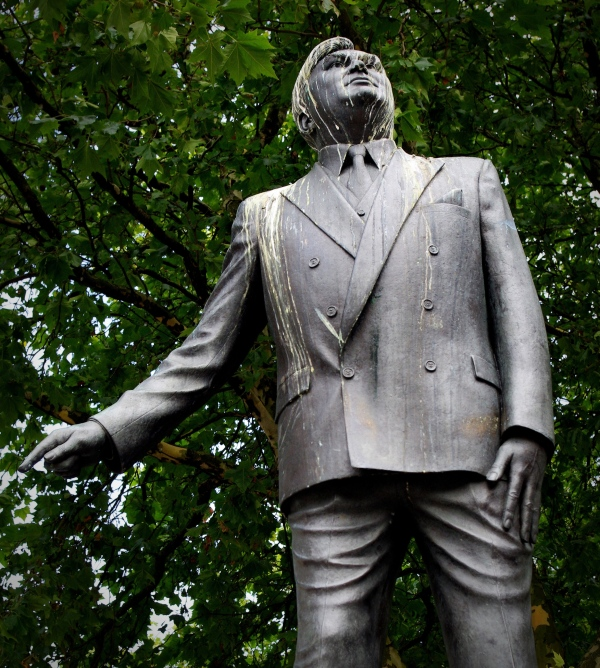 statue of aneurin bevan, cardiff, wales