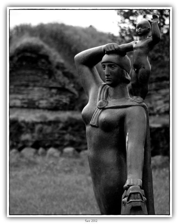 iceland, glaumbaer, statue