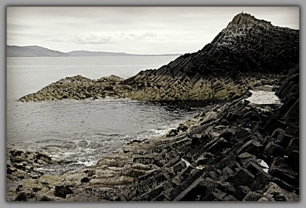 scotland, staffa, basalt columns