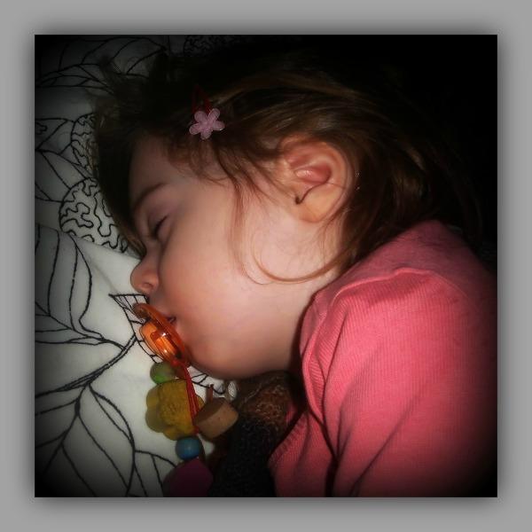 emilia, 28 months old, january 2014, asleep