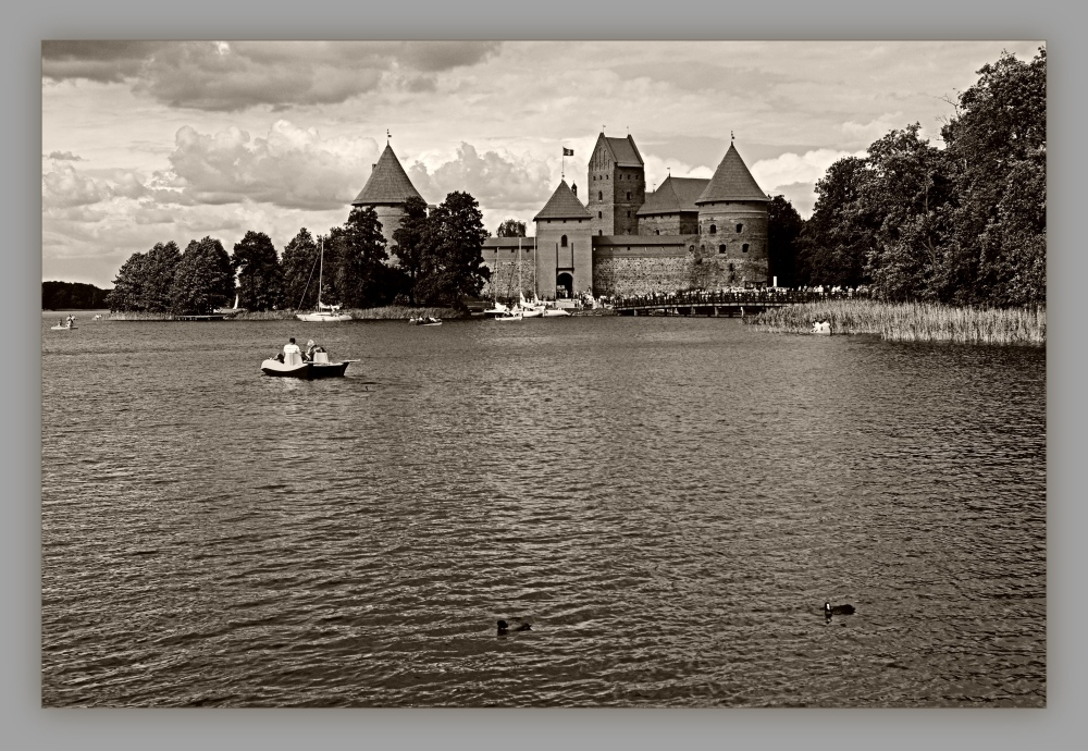 baltic states, lithuania, trakai, castle, sepia