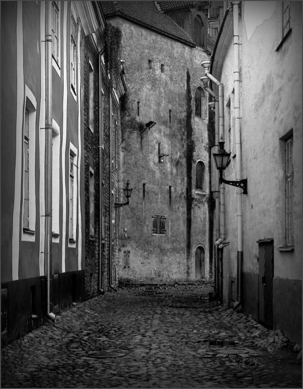 baltic states, estonia, tallinn, old town street
