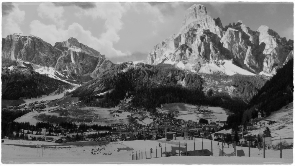 italy, corvara, winter, sassongher, bw
