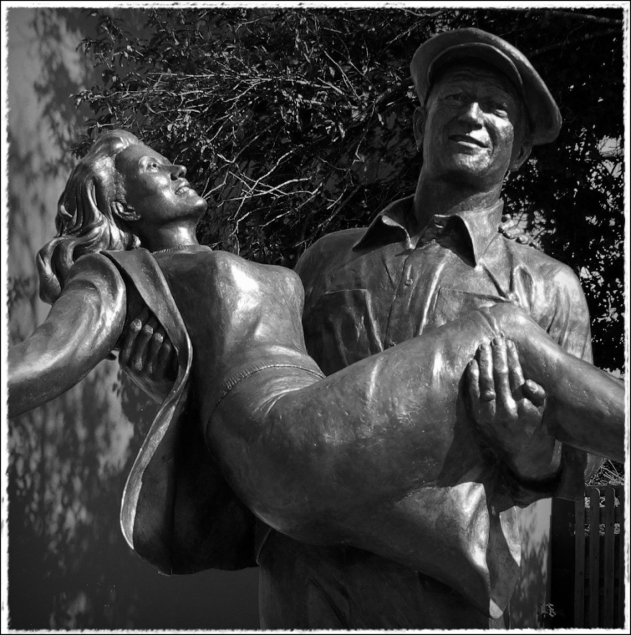 ireland, cong, statue, john wayne, maureen o'hara