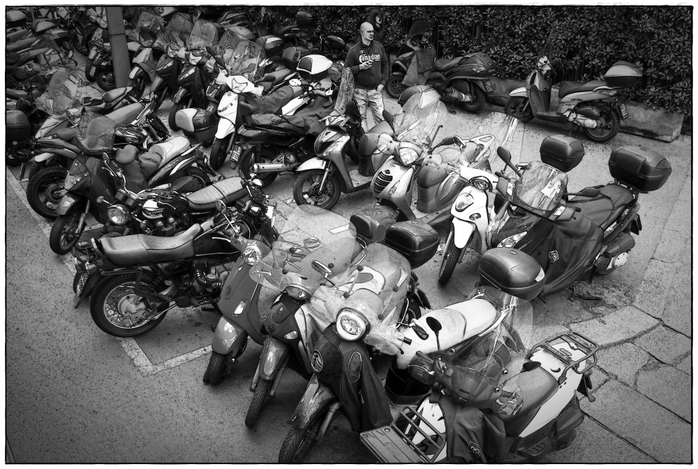 italy, milan, parking, scooters, bw