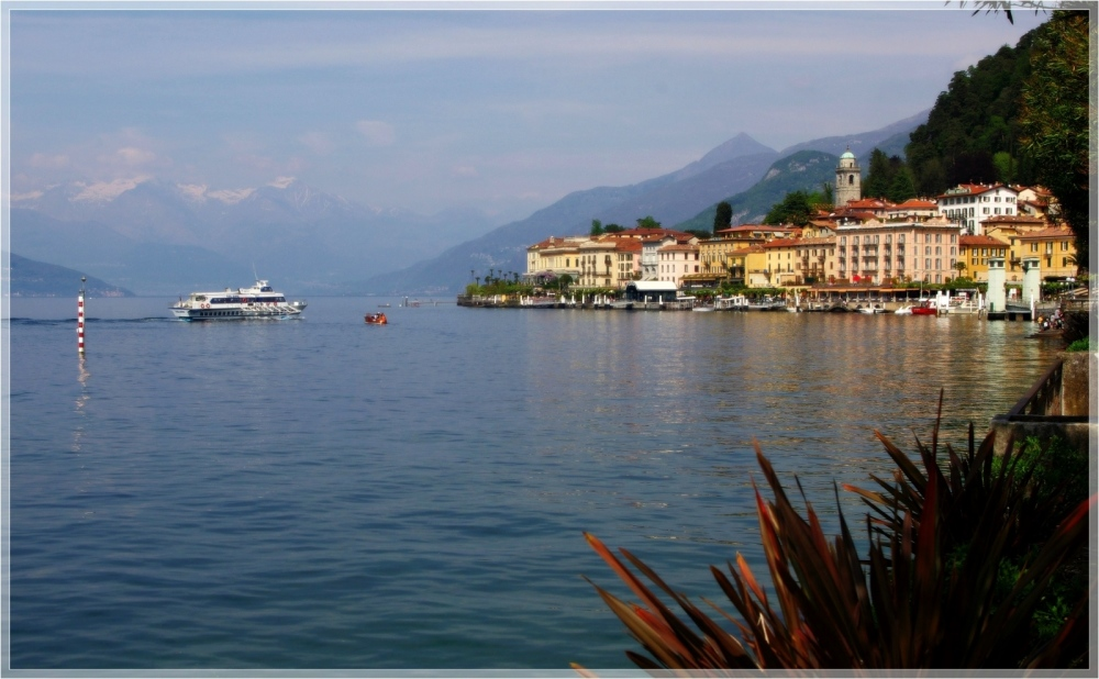 italy, bellagio, lakefront, alps, boat