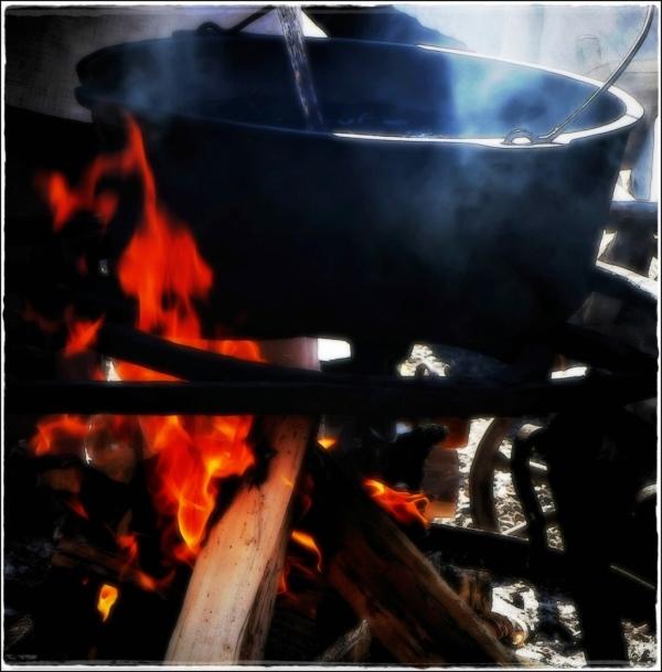 lithuania, trakai, medieval fair, kettle, fire