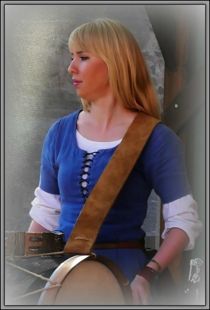 lithuania, trakai, medieval fair, singer, dancer