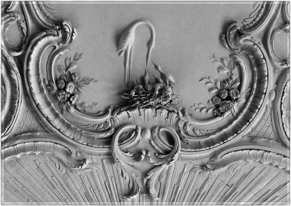 latvia, rundale palace, ceiling, stucco, bw
