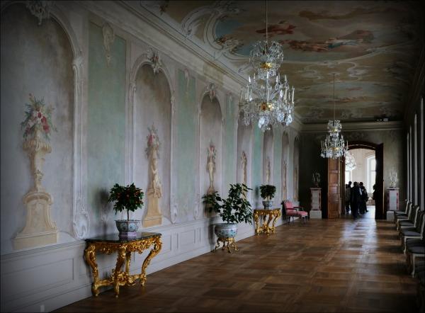 lativia, rundale palace, hallway