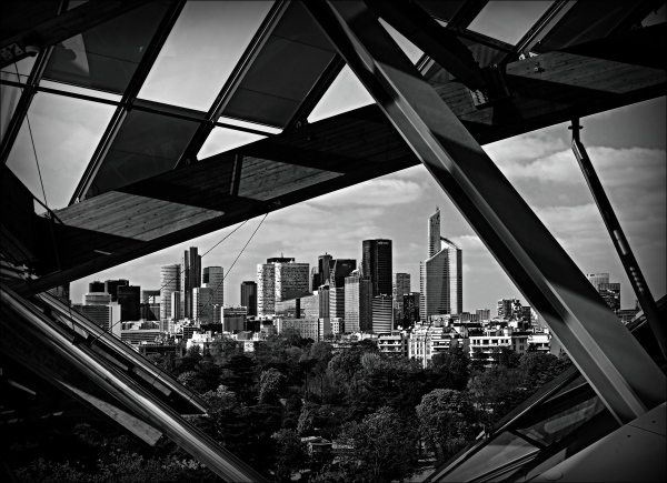 paris, fondation louis vuitton, la defense, bw