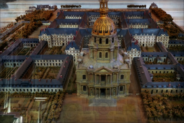 paris, les invalides, model