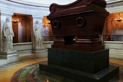 Napoleon's tomb, take 2