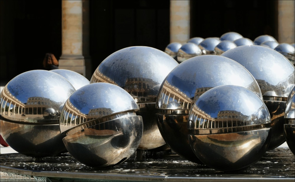 paris, palais royale, installation, spheres