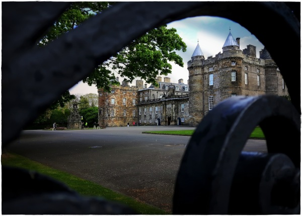 scotland, edinburgh, holyrood palace