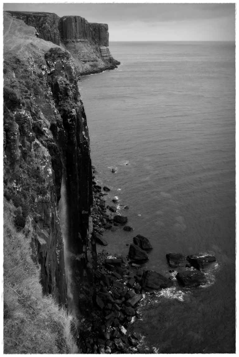 scotland, skye, kilt rock, mealt fall, cliffs, bw