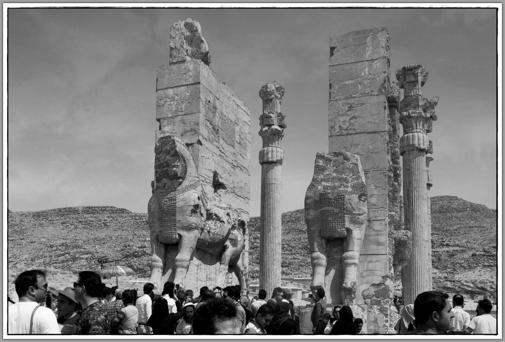 iran, persepolis, columns, statues, gateway