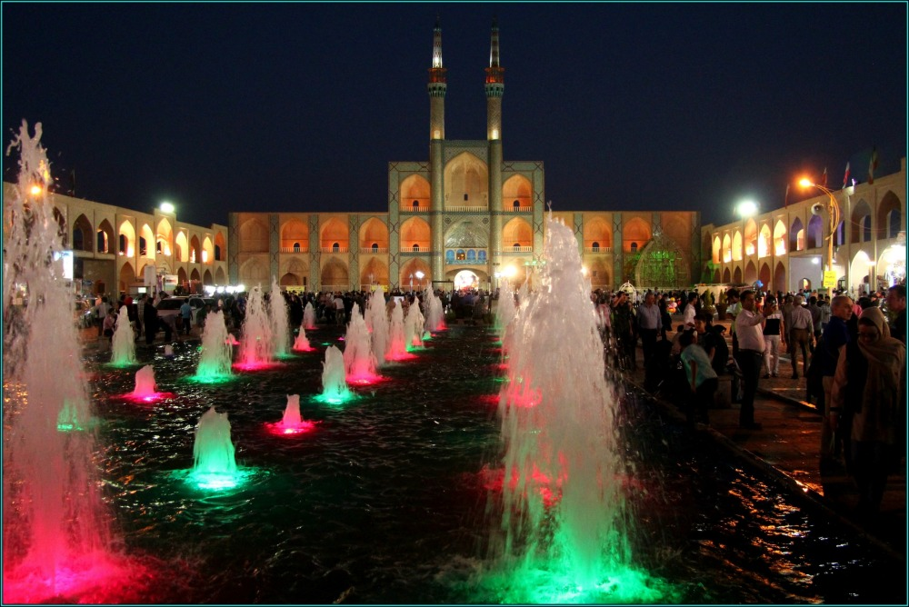 iran, yazd, amir-chakhmaq, night
