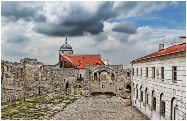 Janowiec Castle 2