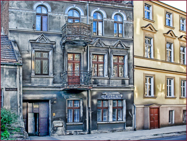 house gniezno windows
