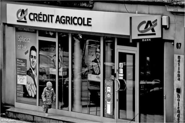 credit she street bank