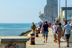 Promenade to Monument to the Discoveries