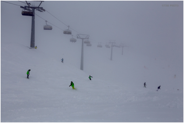 Difficult conditions for skiers 2