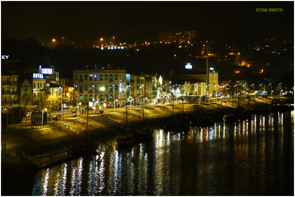 Porto by night (1)