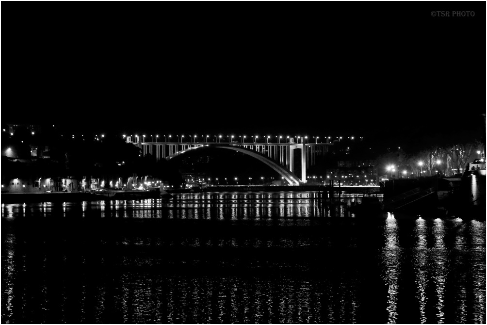 Porto by night (5)