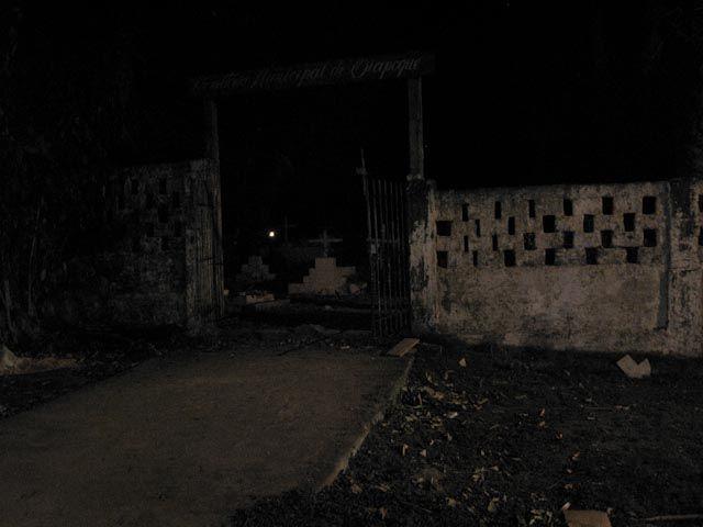 Cemetery Gate - Oiapoque - Brésil