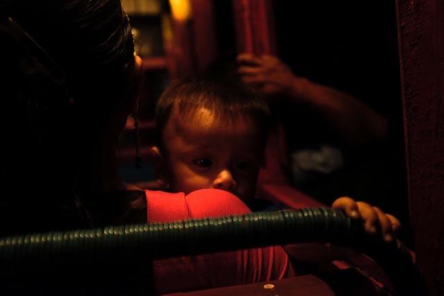 L'enfant dans le bus