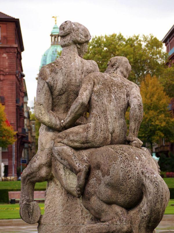 Statue in Mannheim, Friedrichsplatz