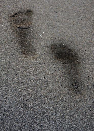 when i walk on sand