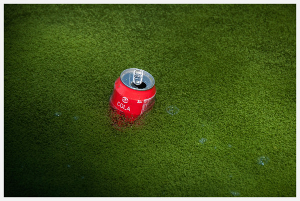 cola on green