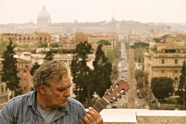 Roma, Guitar player