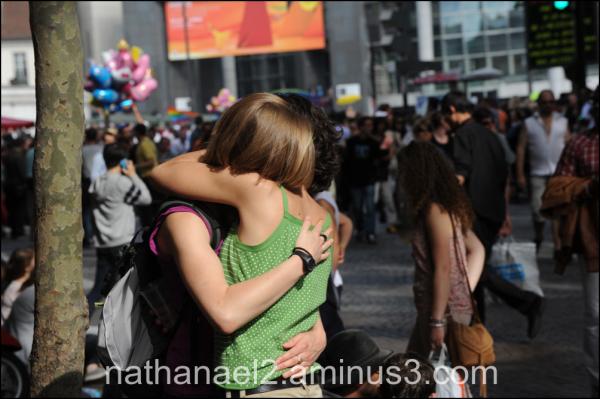 Love in the street...