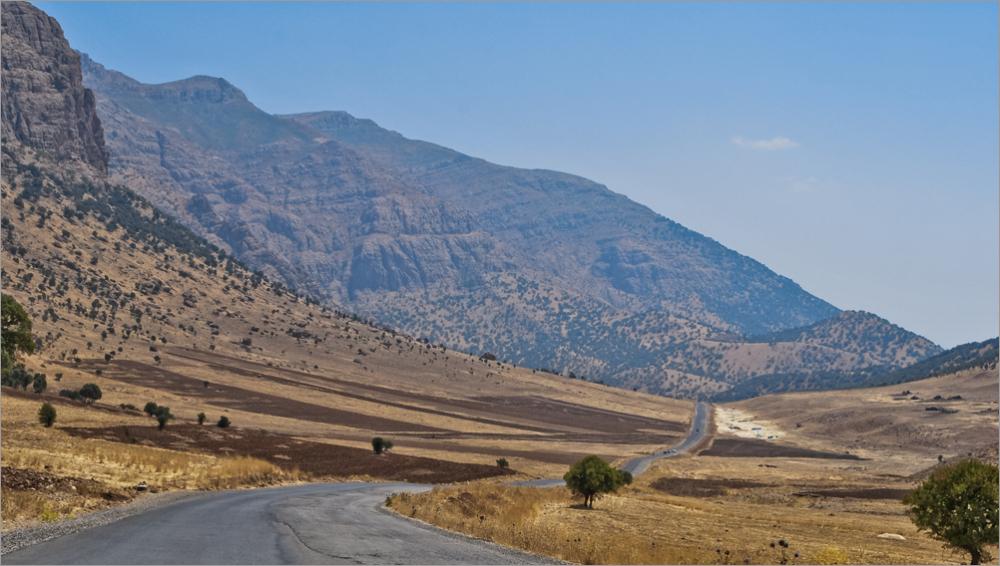 لرستان - خرم آباد -جاده بسمت آبشار بیشه