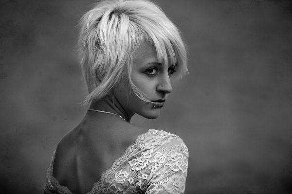 She turned, she gazed, she looked beautiful.