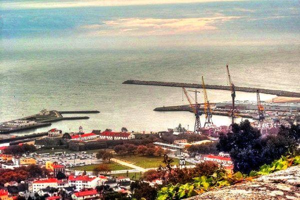 Viana Harbour