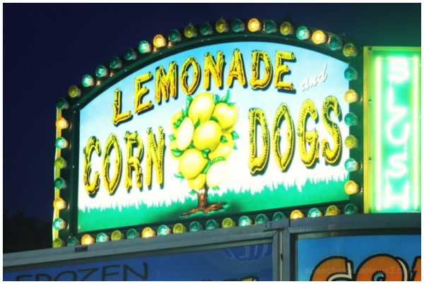 lemonade & corndogs