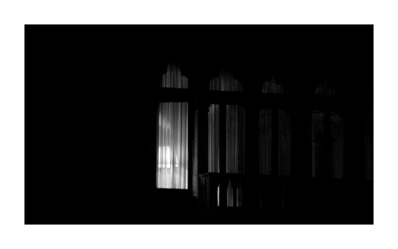Une fenêtre dans la nuit