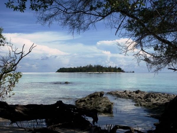 Overseeing Big Mataking Island from Small Mataking