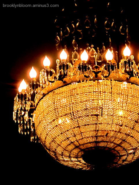 chandelier in cort theatre nyc