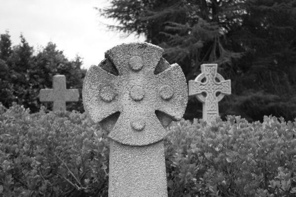 3 crosses in graveyard