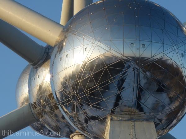 atomium of Bruxelles in winter