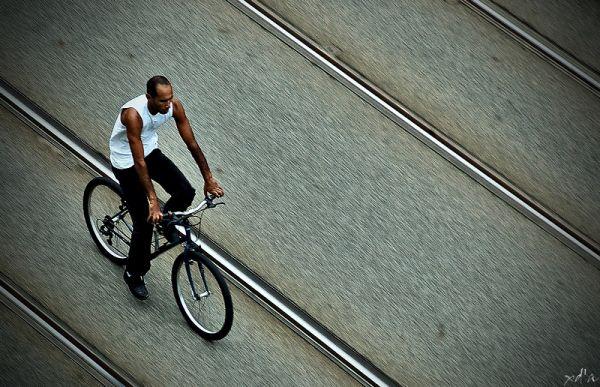 Un vélo dans la ville