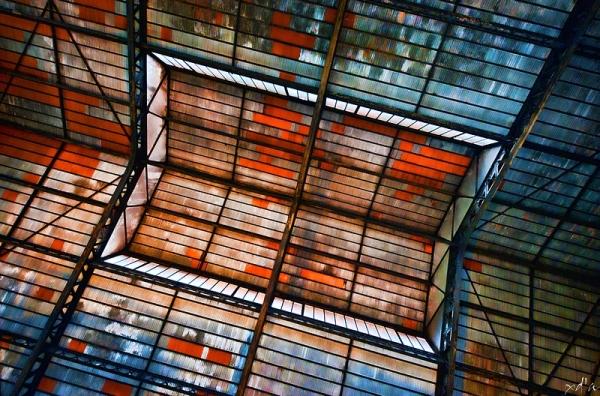 Le toit de la vieille usine
