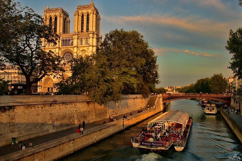 Les bâteaux parisiens